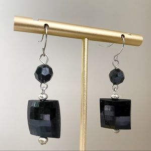 🎉5/20 SALE🎉 black dangly earrings